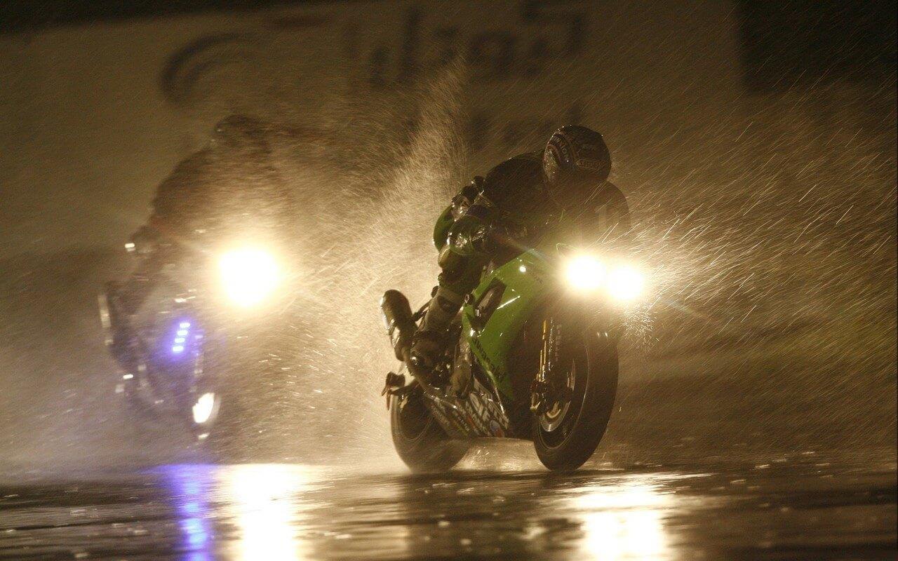 waterdichte motorkleding regen motorrijden