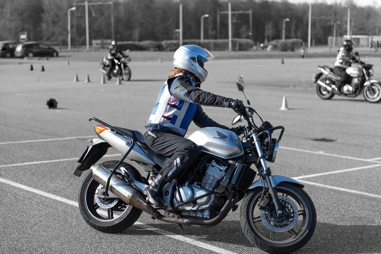 hoe-duur-is-een-motorrijbewijs