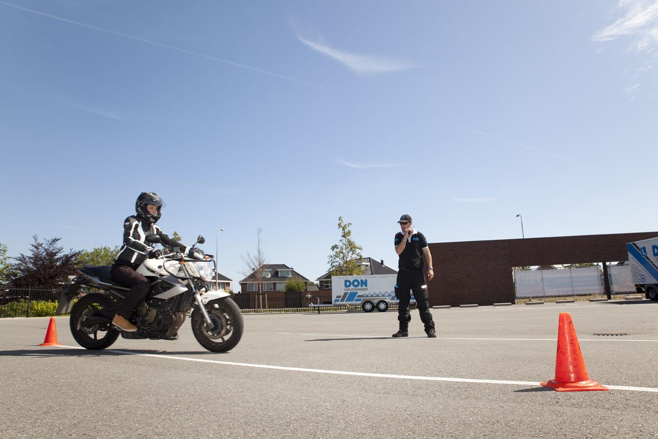 proefles-motorrijden-lessen