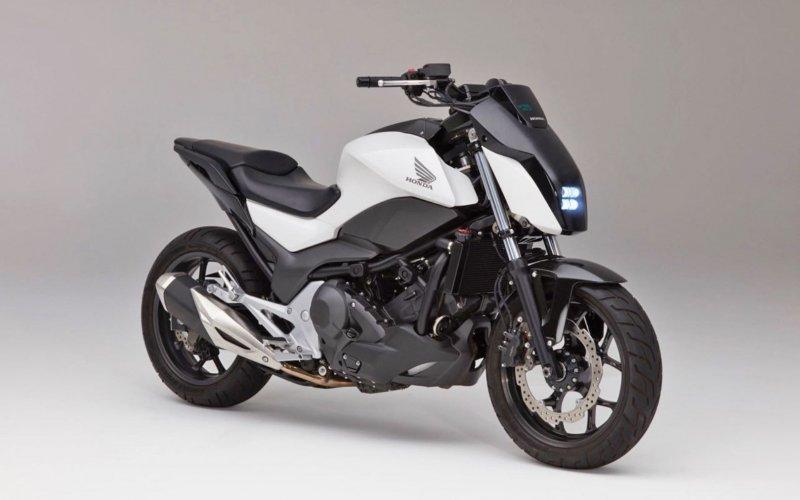 2017-Honda-riding-assist-motorcycle-self-balancing