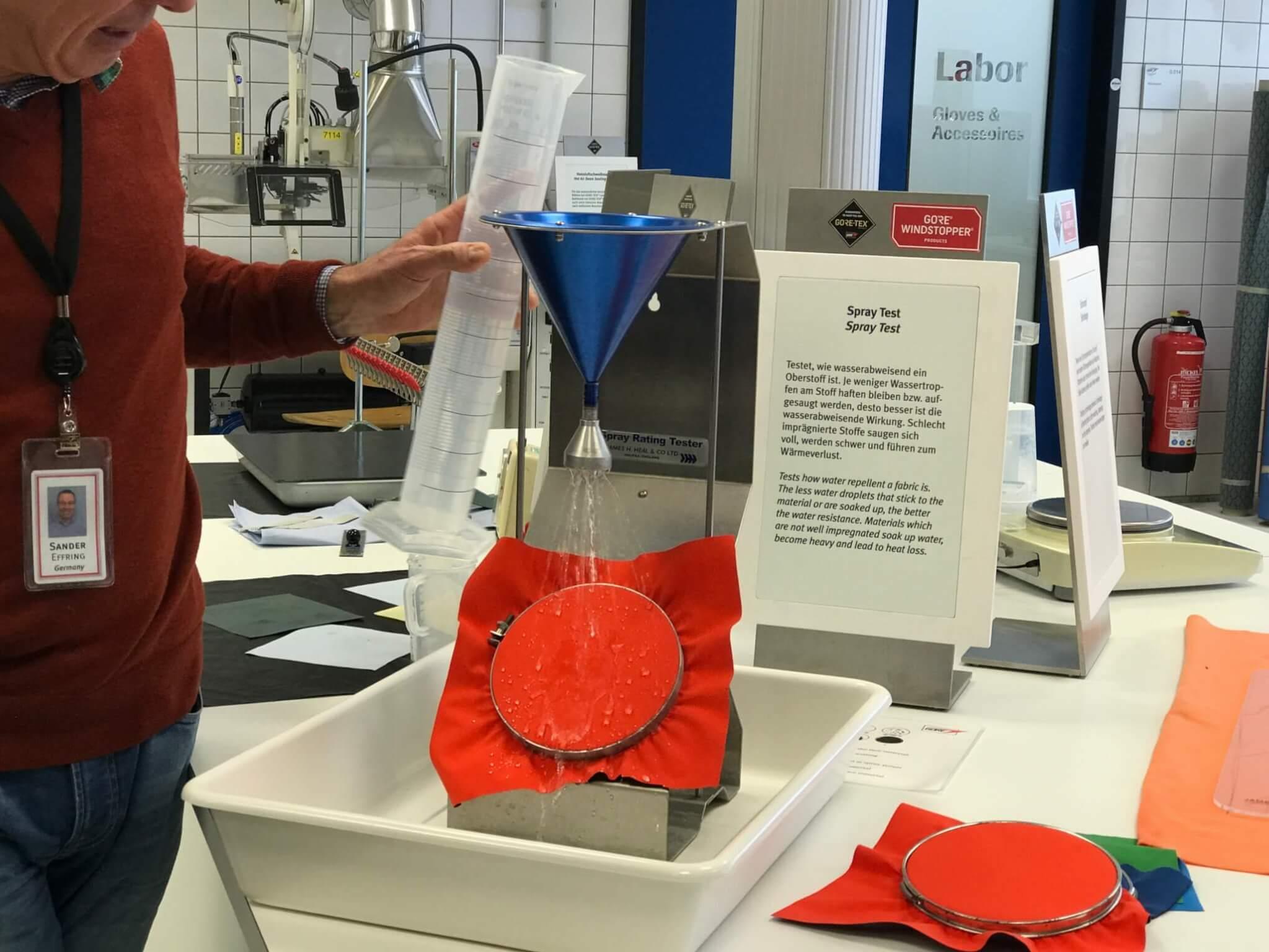 GORE-TEX test laboratorium op waterafstotende coating