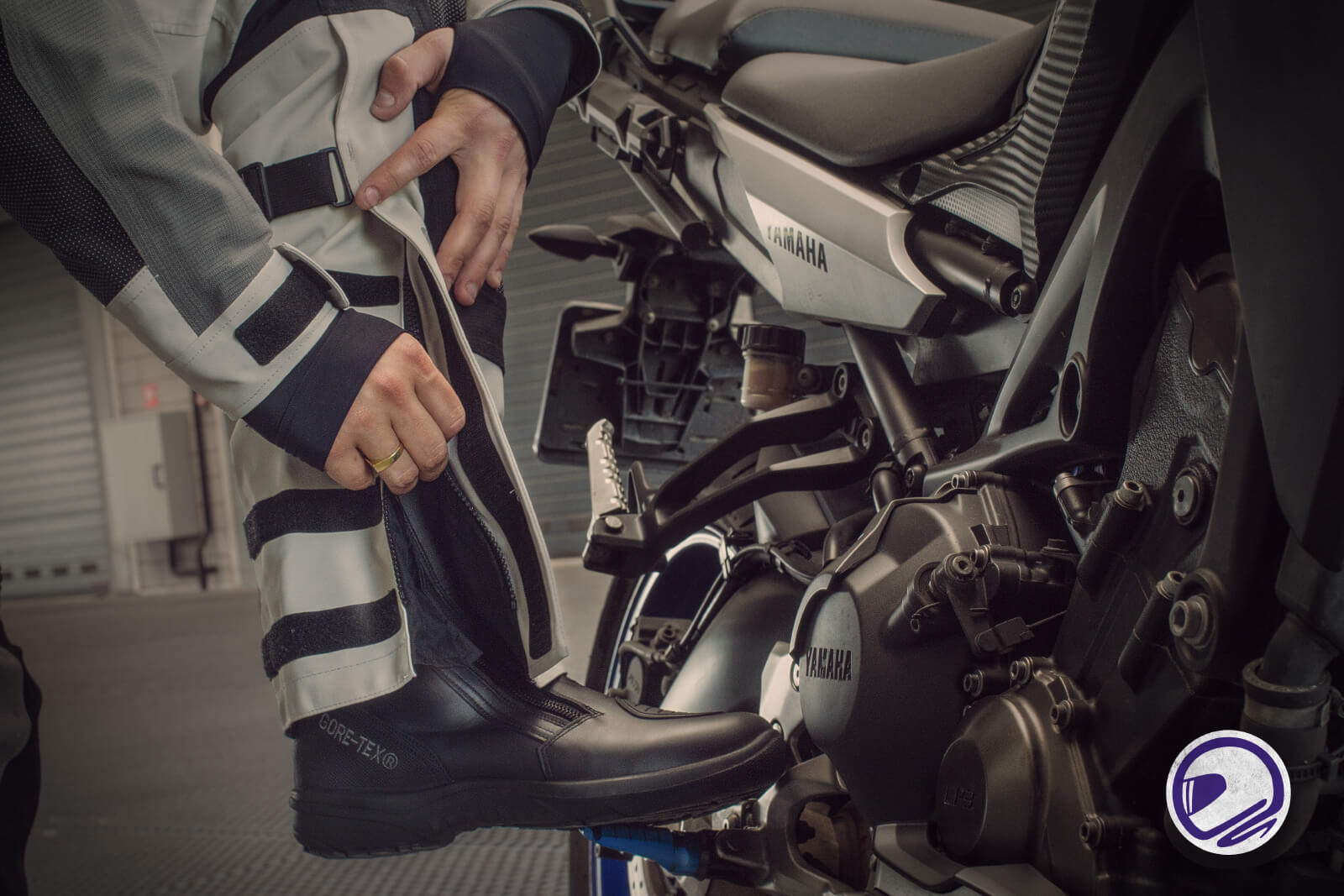 Motorkledingcenter motoroufit adventure tour rijder daytona