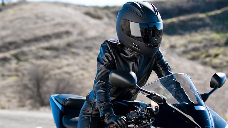 De juiste motorbroek vrouwen