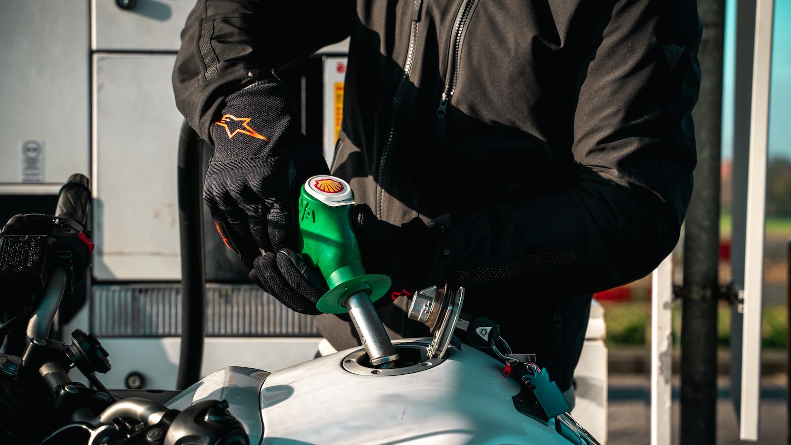 E10 brandstof tanken met de motor